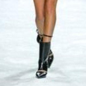 Rosa Cha Black Runway Zip up Boots U.S. 9